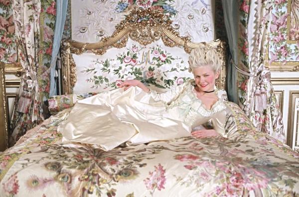 Marie-Antoinette-marie-antoinette-27292462-1500-989-600x395